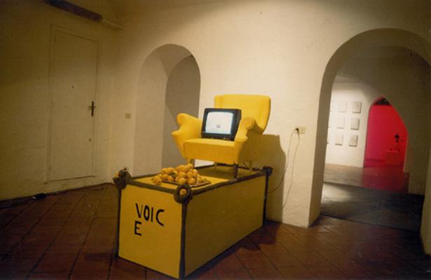 monumento giallo1991c1